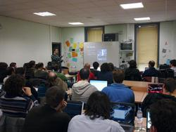 It was crowded during @TCRobotics's talk about Orugas, his personal project using arduino and some robotics knowledge