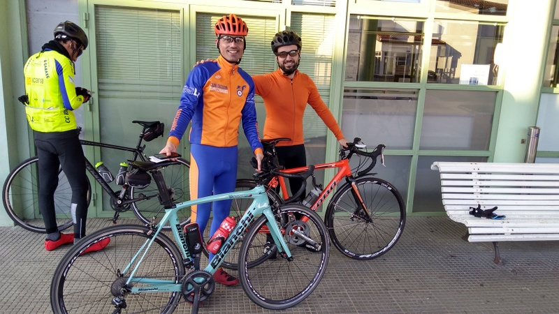 Xurxo and me, with our bikes, after finished the Brevet