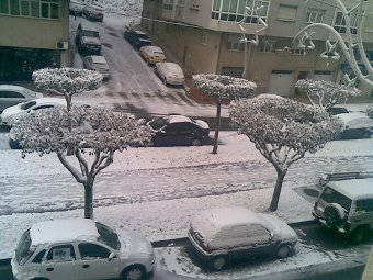 The snow covering the street this morning (2)